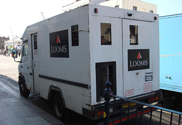 Fully Insured 3rd Party Non-Bank Non-Dealer Depository (e.g. Loomis)